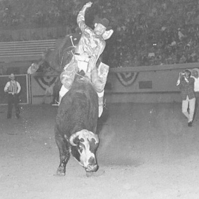 Ronnie Rossen on #107 (Steiner) 9th go NFR 67